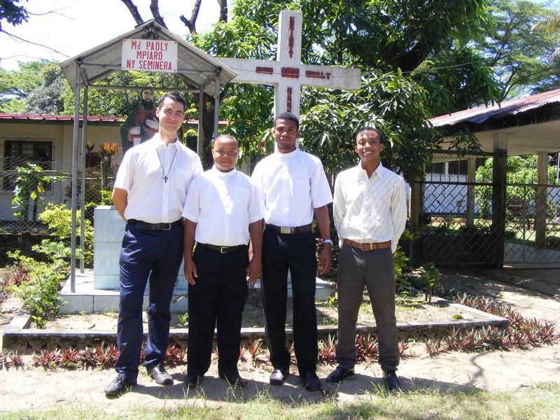 Éducateurs au petit séminaire de Tamatave.