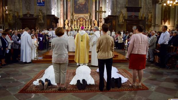 Dimanche 29 mai 2016 en la cathédrale Saint-Benoit de Castres, Monseigneur Jean Legrez a ordonné diacres permanents Messieurs Joël Galibert, Didier Mouret et Jean-Claude Batut.