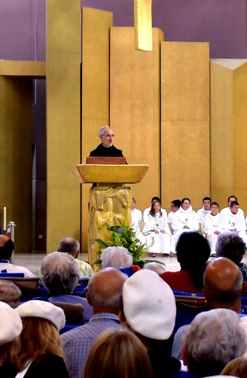 Le P. André Cabes, recteur des sanctuaires